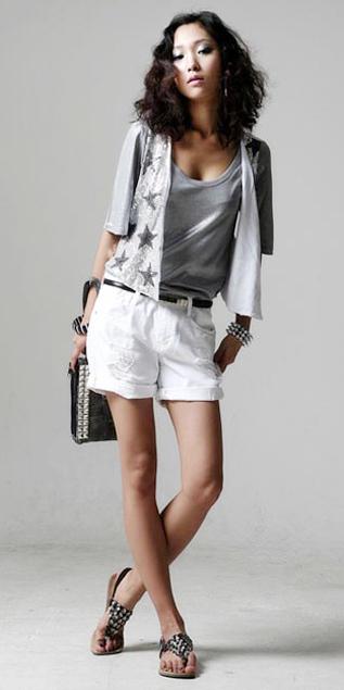 Hình ảnh Cách phối đồ năng động với quần jeans số 3