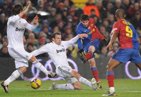 Hình ảnh 10 trận chiến kinh điển Real-Barca đáng nhớ trong lịch sử số 3