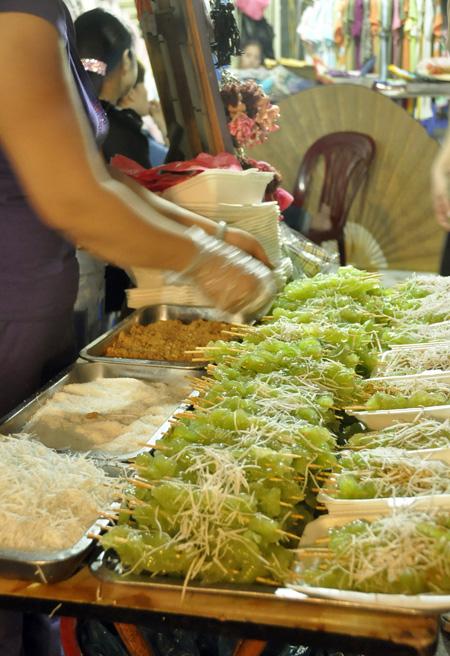 Hình ảnh Khám phá những món ăn thú vị tại chợ đêm Hà thành số 2