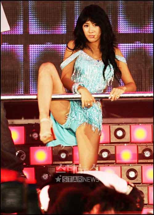 Hình ảnh Xem sao K-pop múa cột sexy số 3