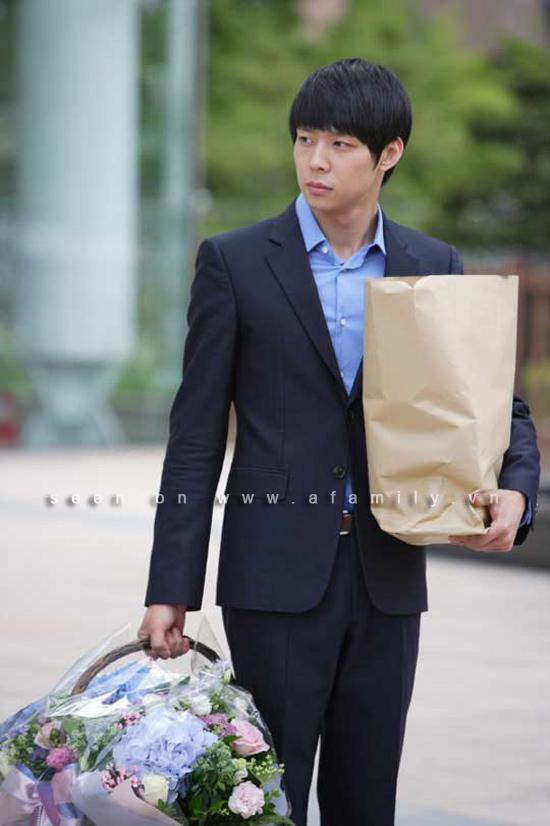 Hình ảnh Jung Yong Hwa thay đổi chóng mặt trước người đẹp số 5