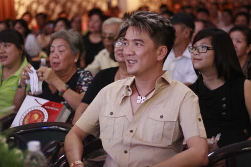 Hình ảnh Đàm Vĩnh Hưng lập kỷ lục với clip Biển tình số 4