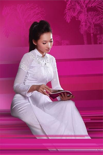 Hình ảnh Tinh khôi với áo dài trắng số 5
