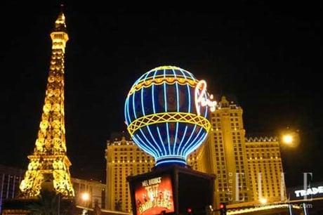 Hình ảnh 10 cảnh đẹp ngỡ ngàng thành phố khi đêm về số 5