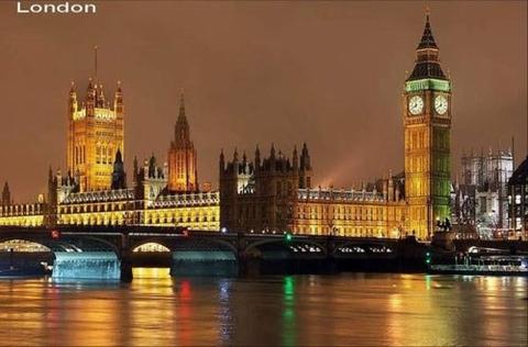 Hình ảnh 10 cảnh đẹp ngỡ ngàng thành phố khi đêm về số 6