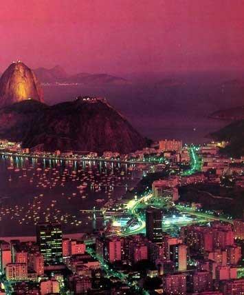 Hình ảnh 10 cảnh đẹp ngỡ ngàng thành phố khi đêm về số 10