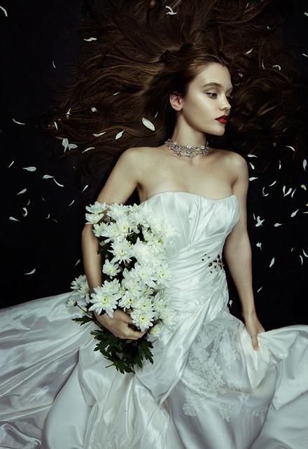 Hình ảnh Những mẫu váy cưới đẹp dành cho mùa cưới 2011 số 7