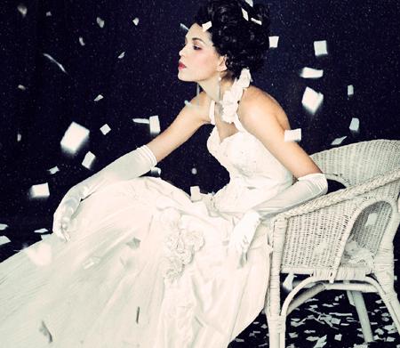 Hình ảnh Những mẫu váy cưới đẹp dành cho mùa cưới 2011 số 17