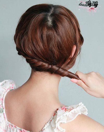 Hình ảnh Điệu với 2 cách tết tóc mới số 10