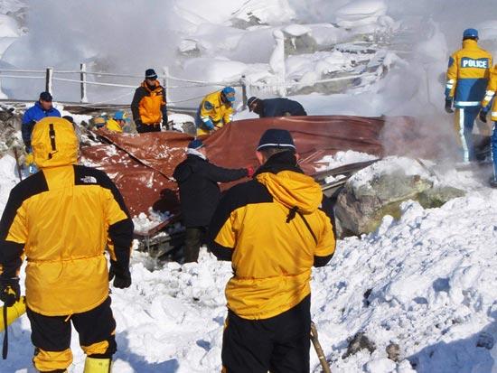 Hình ảnh Tuyết rơi gây chết 1 người, 900 người bị thương tại Nhật Bản số 5