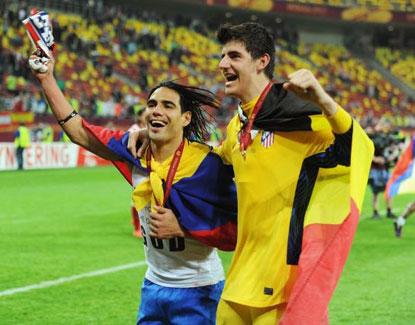 Nhắm Courtois, Barca lại khiến Chelsea lo lắng