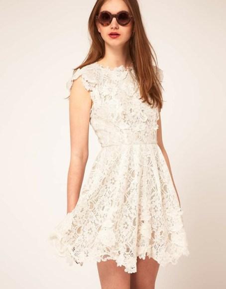 Hình ảnh Kiều nữ quyến rũ với váy ren trắng số 15