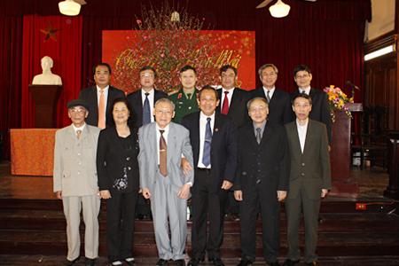 Hình ảnh Lãnh đạo Tòa án nhân dân tối cao chúc Tết xuân Quý Tỵ 2013 số 1