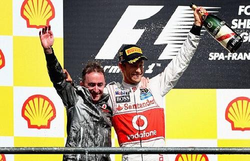 McLaren lại mất người cho Mercedes