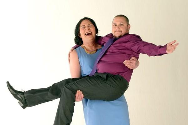 Hình ảnh Cặp đôi hoán đổi giới tính trước khi kết hôn số 2