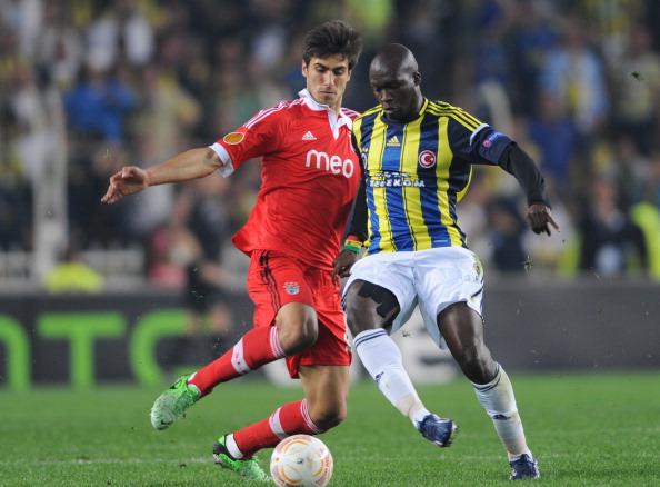 Điểm tin thể thao sáng 26/4: Luiz tỏa sáng, Chelsea rộng đường vào CK Europa League...