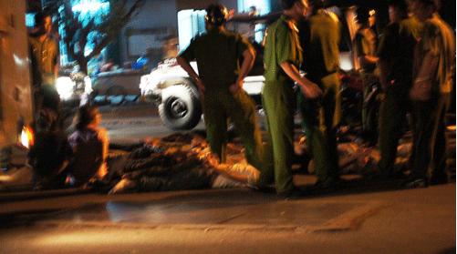 2 băng nhóm hỗn chiến trong đêm, 3 người thương vong