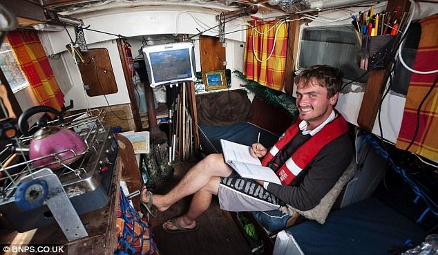 Tiết kiệm tiền bằng cách sống trên thuyền