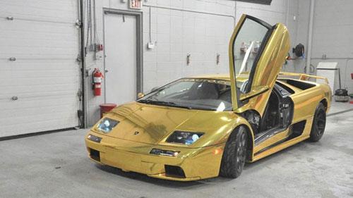 Ô tô-Xe máy - Ông chủ ZR Auto bọc vàng Lamborghini Diablo cho vợ ngồi