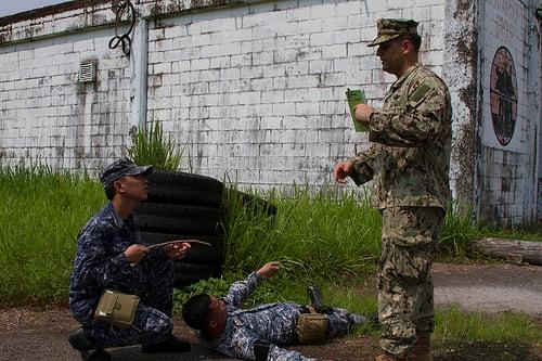 Ảnh 'nóng' của Hải quân Mỹ và Philippines - Ảnh 5