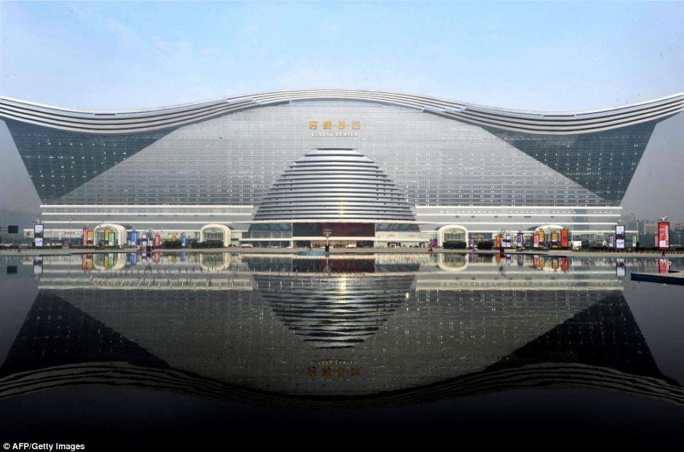 Cận cảnh bên trong tòa nhà lớn nhất thế giới vừa mở cửa
