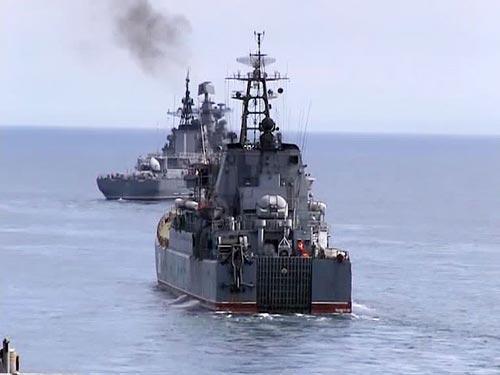 Tiêu điểm - Xem xe tăng, máy bay, tàu chiến Nga gầm rú (Hình 11).