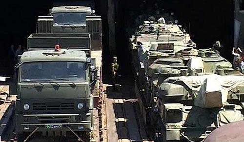 Tiêu điểm - Xem xe tăng, máy bay, tàu chiến Nga gầm rú (Hình 3).