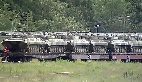 Tiêu điểm - Xem xe tăng, máy bay, tàu chiến Nga gầm rú (Hình 4).