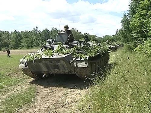 Tiêu điểm - Xem xe tăng, máy bay, tàu chiến Nga gầm rú (Hình 7).