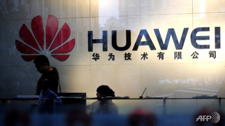 Cựu giám đốc CIA tố tập đoàn Huawei làm gián điệp cho Trung Quốc
