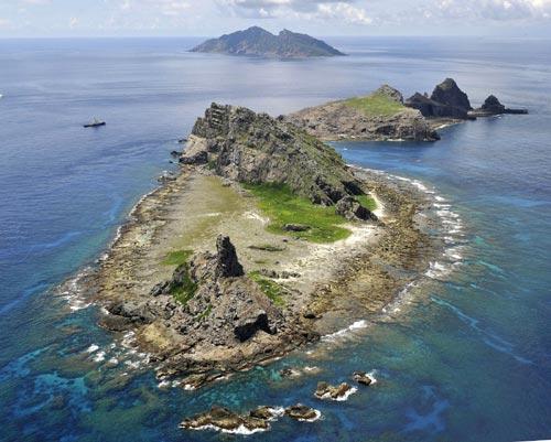 Trung Quốc dằn mặt Nhật Bản, Philippines trong tranh chấp biển đảo
