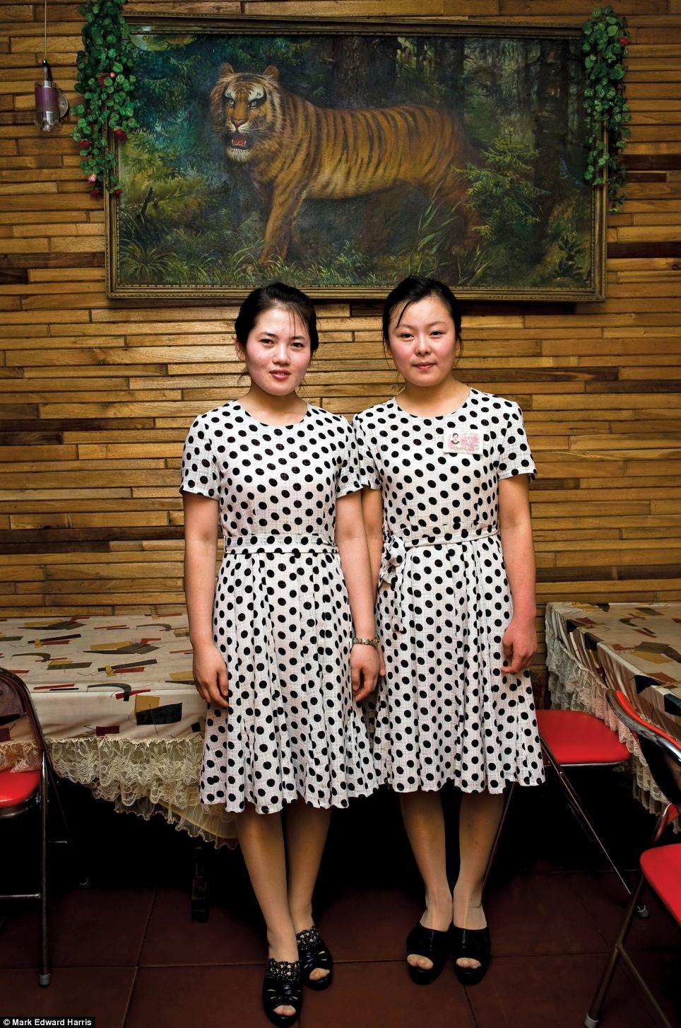 Chân dung hai miền Triều Tiên 16