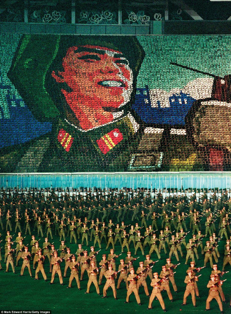 Chân dung hai miền Triều Tiên