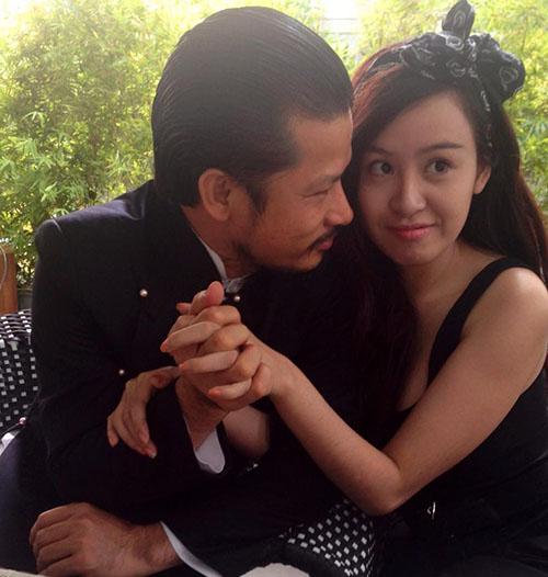 Sự kiện - Dân mạng phẫn nộ bà Tưng khoe ảnh xúc phạm ngày 27/7 (Hình 2).