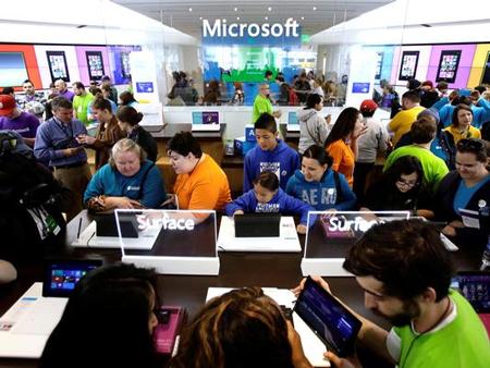 Công nghệ - Microsoft 'bốc hơi' 32 tỷ USD trong 1 ngày