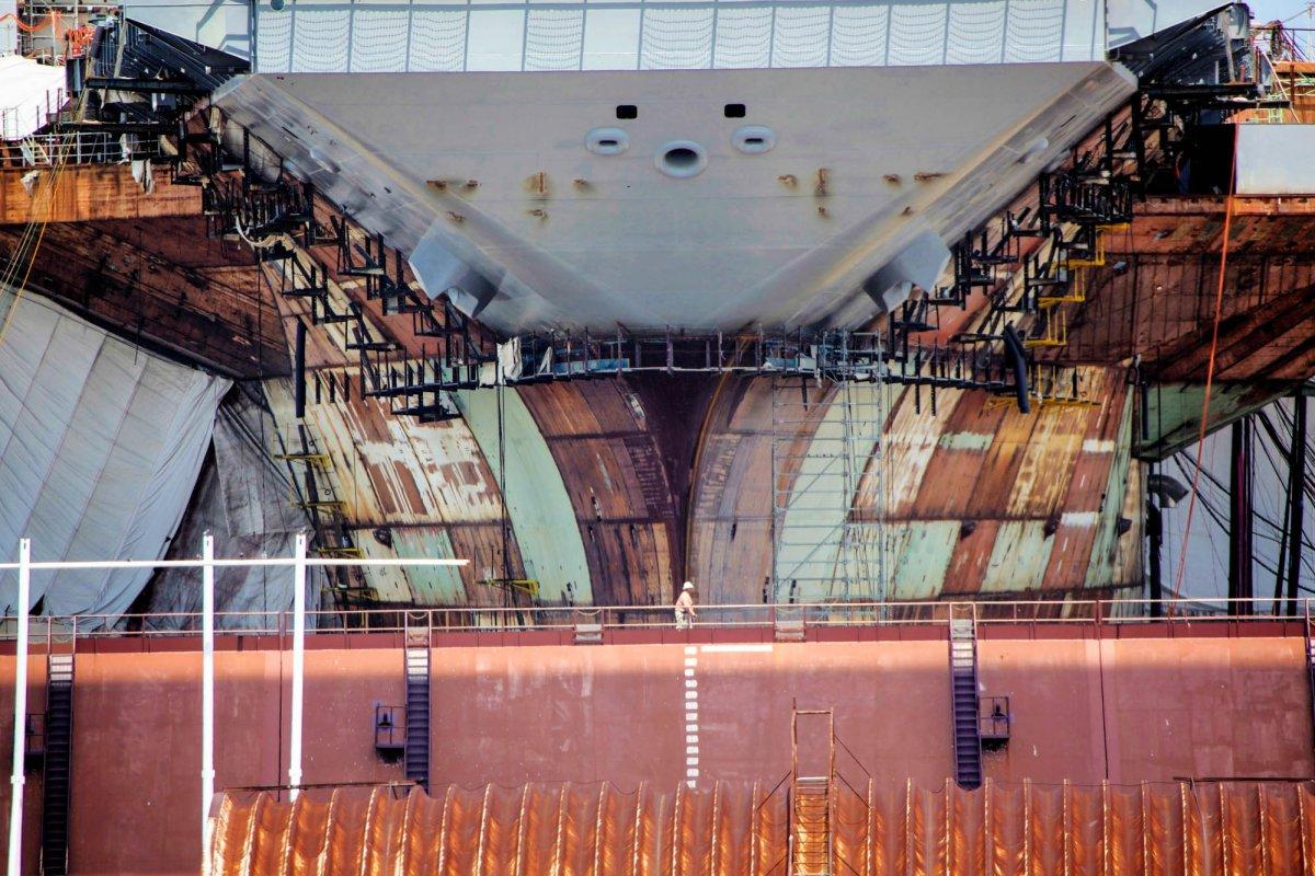 Tiêu điểm - Chiêm ngưỡng tàu sân bay đắt nhất, nguy hiểm nhất của Mỹ