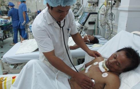 Chiều 2/8, BS Lê Quang Võ – GĐ bệnh viện...
