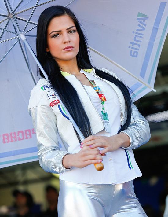 Điểm danh 18 chặng đua MotoGP bằng người đẹp 22