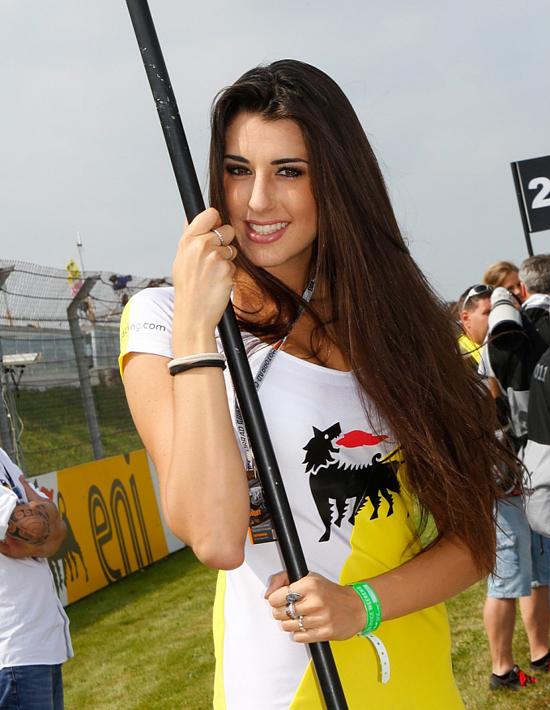 Điểm danh 18 chặng đua MotoGP bằng người đẹp 12