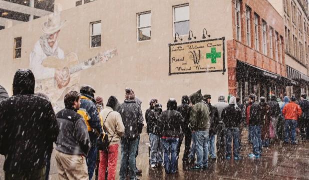 Tại sao bang Colorado (Mỹ) cho phép công khai mua bán cần sa? 16