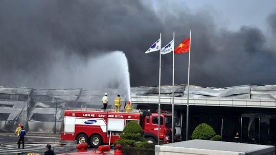 Cháy lớn ở nhà máy cung cấp phụ kiện điện thoại cho Samsung 6