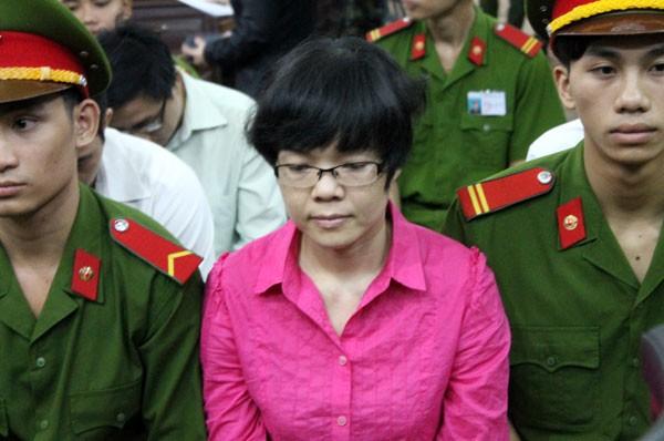 Đang xét xử siêu lừa 5.000 tỷ đồng Huỳnh Thị Huyền Như  1