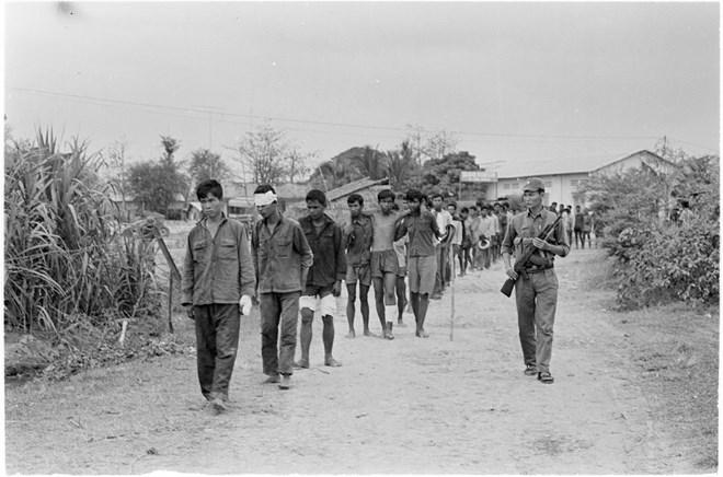 Tận cùng tội ác man rợ của chế độ diệt chủng Pol Pot 16