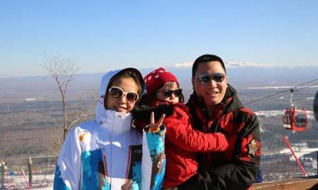 Triệu Vy khoe ảnh gia đình hạnh phúc đi trượt tuyết 6