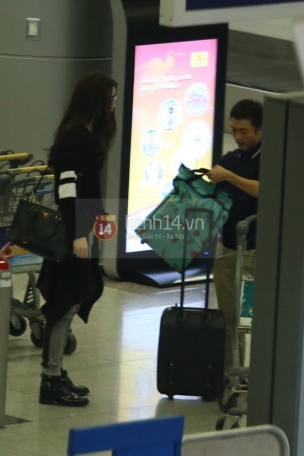 Hà Hồ và Cường Đô la hạnh phúc khi Subeo đón ở sân bay  9