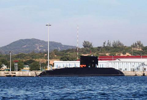 Tàu ngầm Hà Nội hùng dũng tiến ra Biển Đông 6