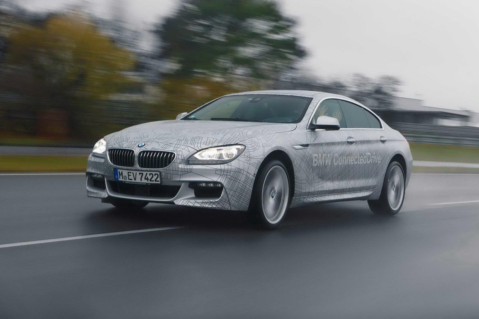 BMW trình diễn xe không người lái tự drift siêu hạng 5