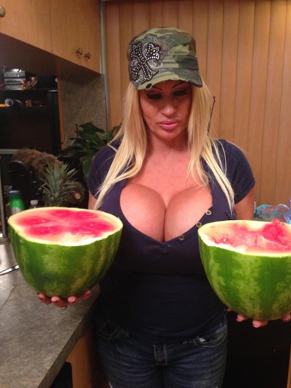Người phụ nữ kỳ lạ nghiện nâng ngực 5