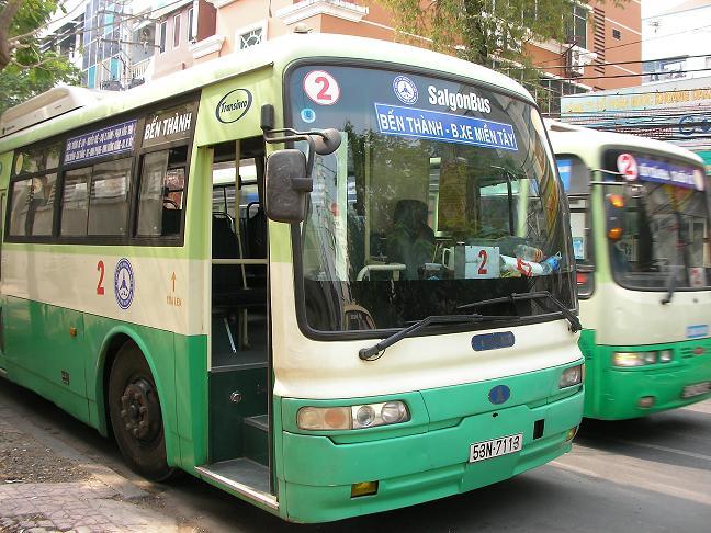 Người cao tuổi được miễn phí xe bus ở Tp Hồ Chí Minh 5