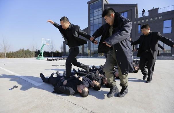 Sự khắc nghiệt trong trường đào tạo vệ sĩ của Trung Quốc 4